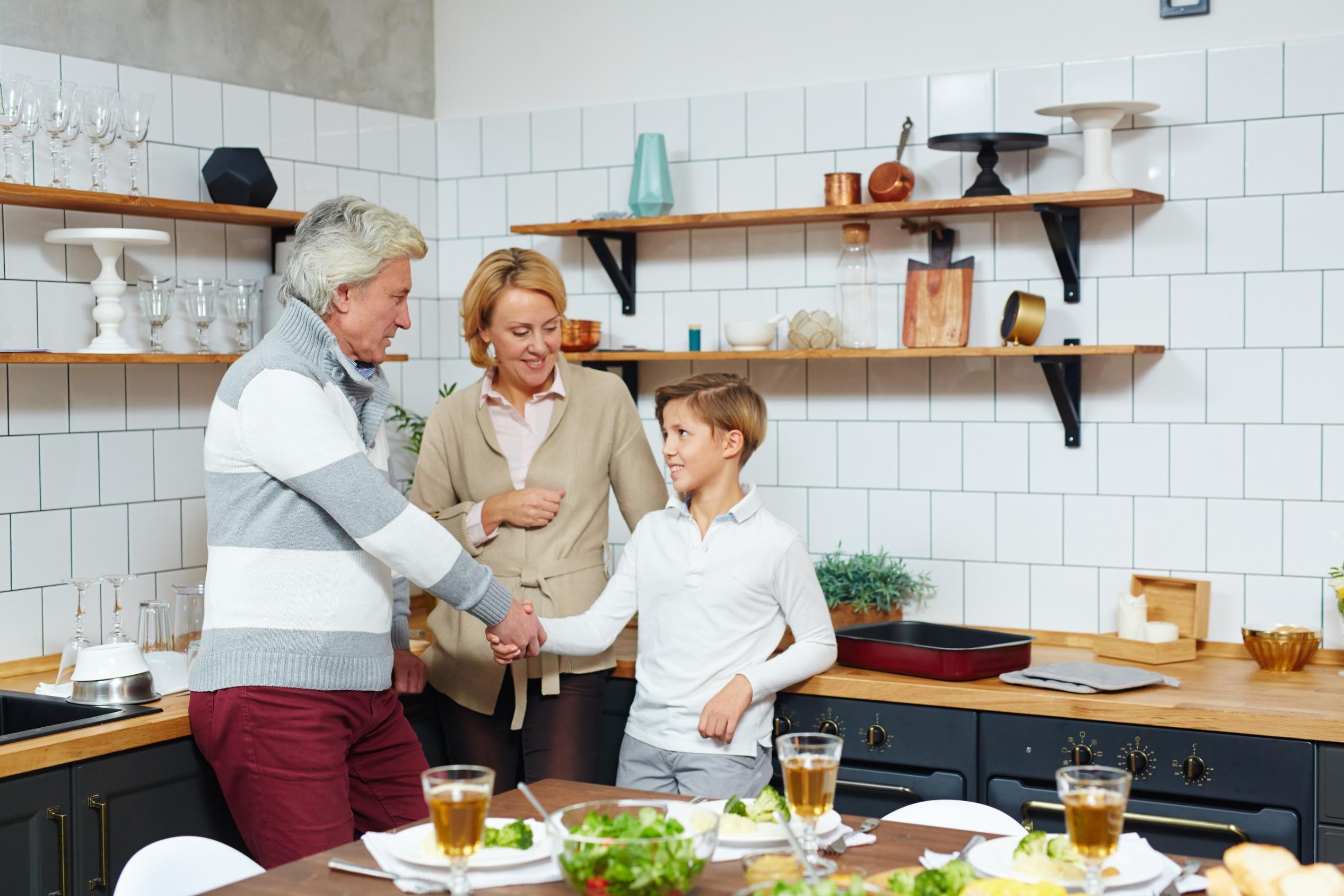Teaching etiquette to kids? 10 must-teach etiquette