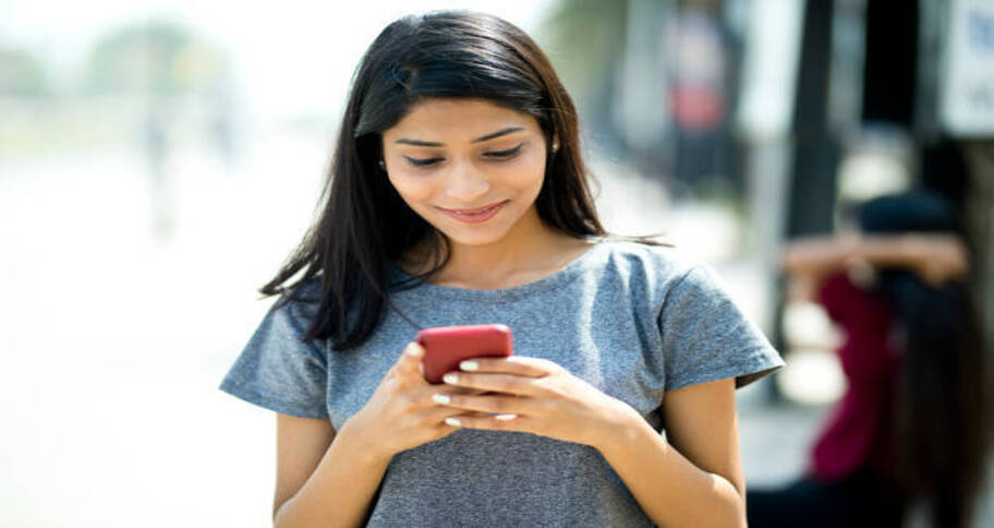 Teens and dating only happens through social media
