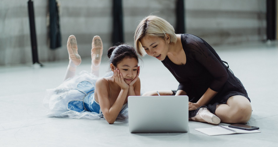 Online Learning Platforms teach dance